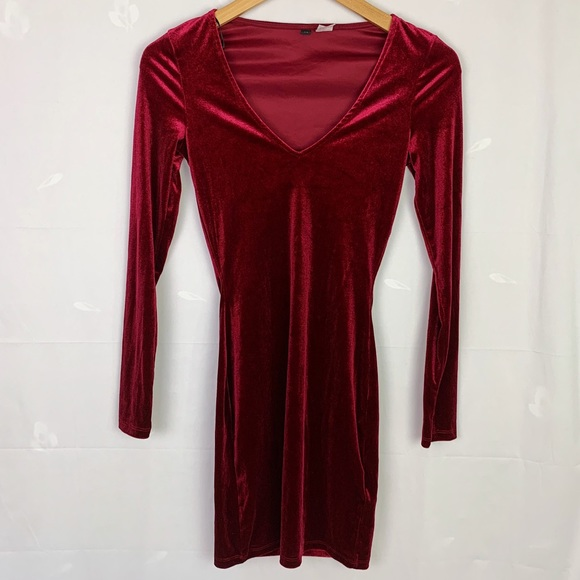 H&M Berry Red Velvet V-Neck Bodycon Mini Dress